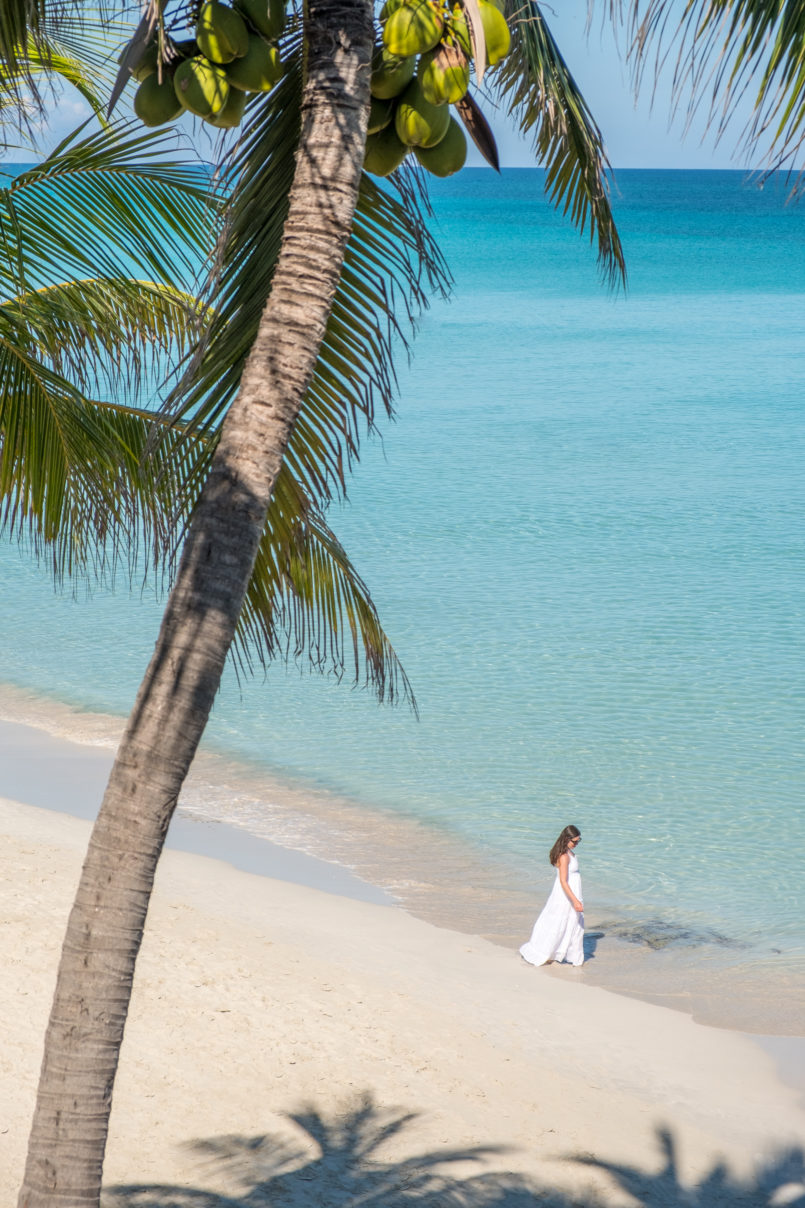 Le Fashionaire Is it worth it going to Cayo Blanco when in Cuba? cuba holidays white dress palmtrees beach heaven 8354 EN 805x1208