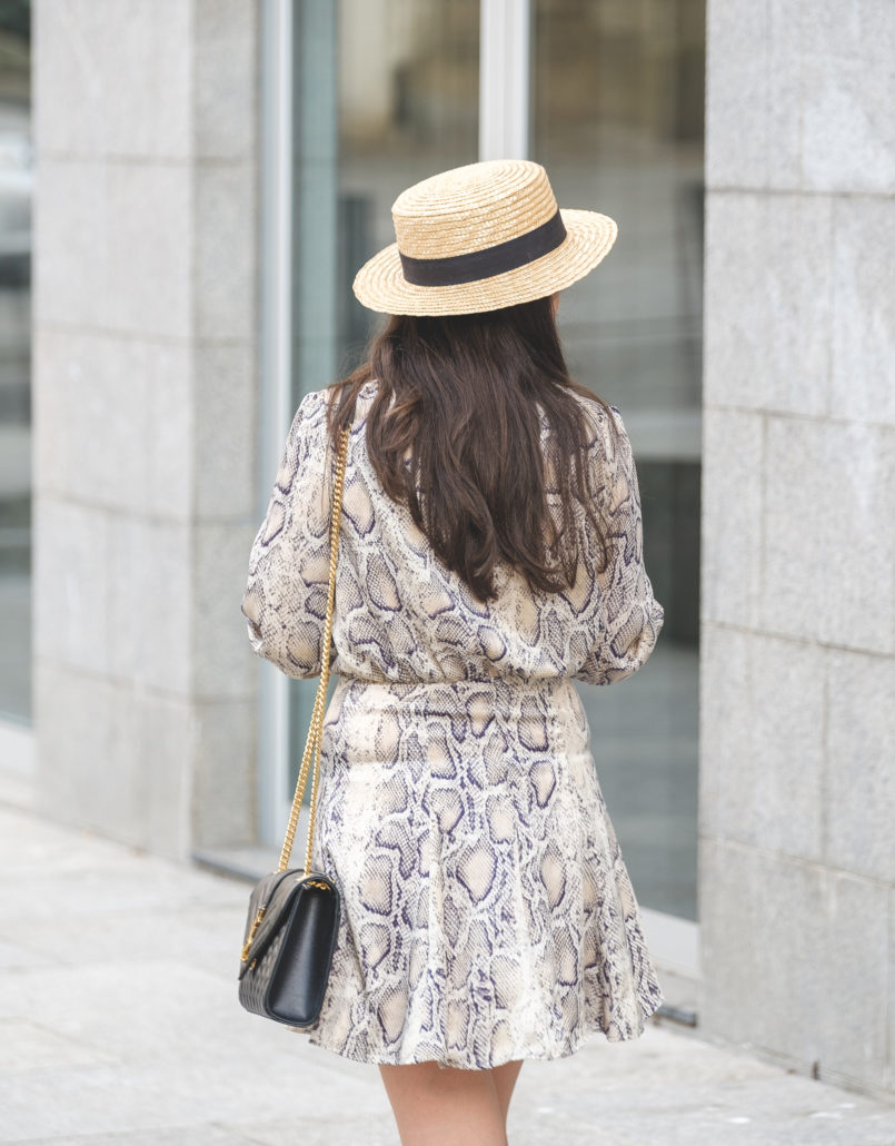 Le Fashionaire The coolest dress for this Fall is from Zara satin zara snake print dress envelope ysl bag black gold straw stradivarius hat 6408 EN 805x1030
