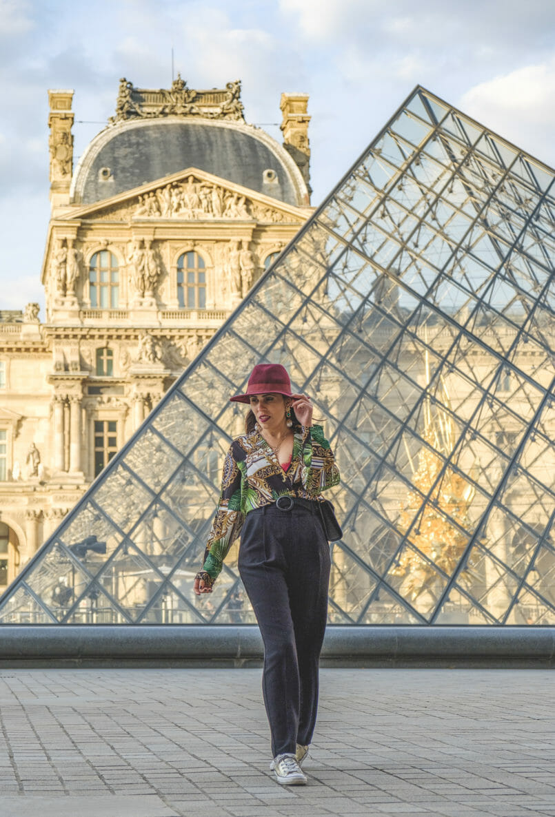 Le Fashionaire Is it worth it to buy Versace like clothes? body tropical leaves dark green gold versace style boohoo black high waist mango trousers gold all star converse sneakers burgundy wool sfera hat 9154 EN 805x1186