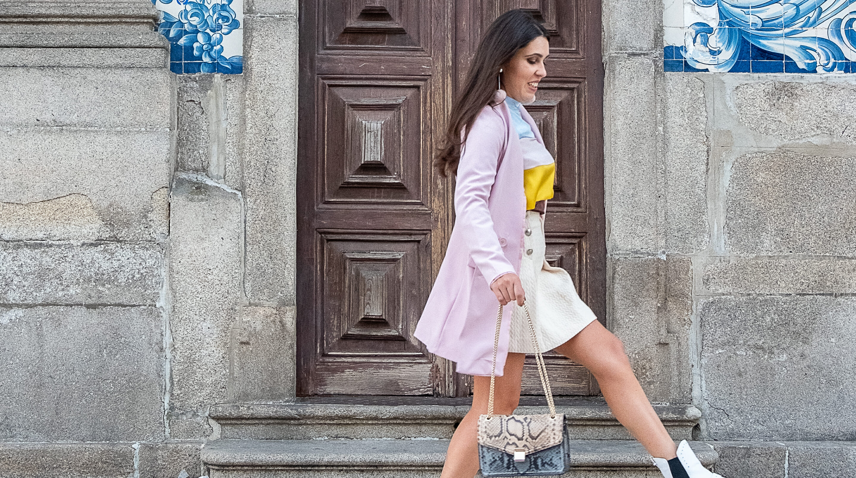 Le Fashionaire Why is silk so expensive? gold front buttons beige mango skirt oversized boohoo pink blazer massimo dutti pale blue beige bag snake print 0022F EN