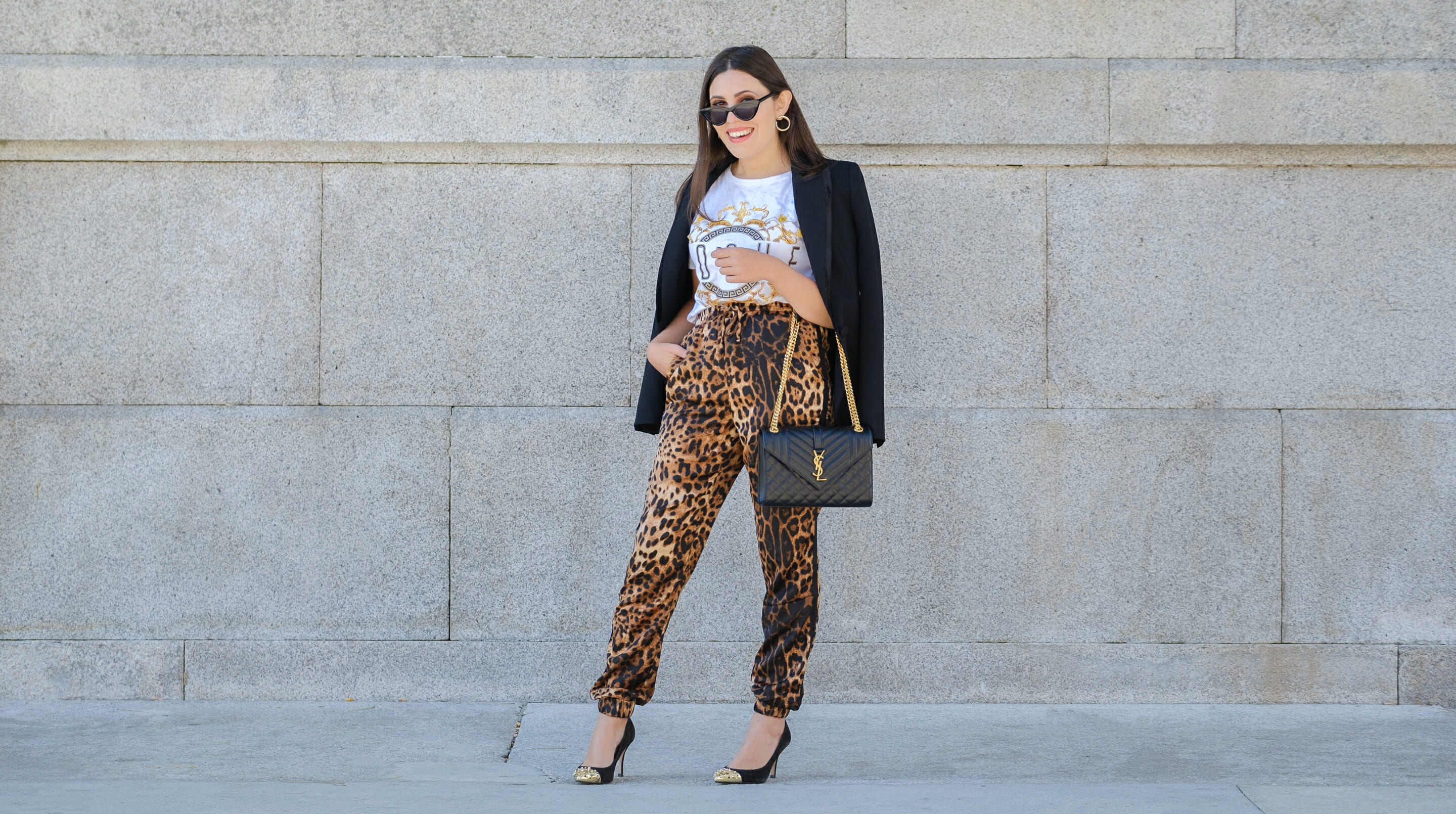 Le Fashionaire How to make the leopard trend look chic on you leopard satin boohoo trousers zara black blazer envelope bag ysl gold saint laurent gold pointed spikes black shoes cat eye mango sunglasses 9715F EN