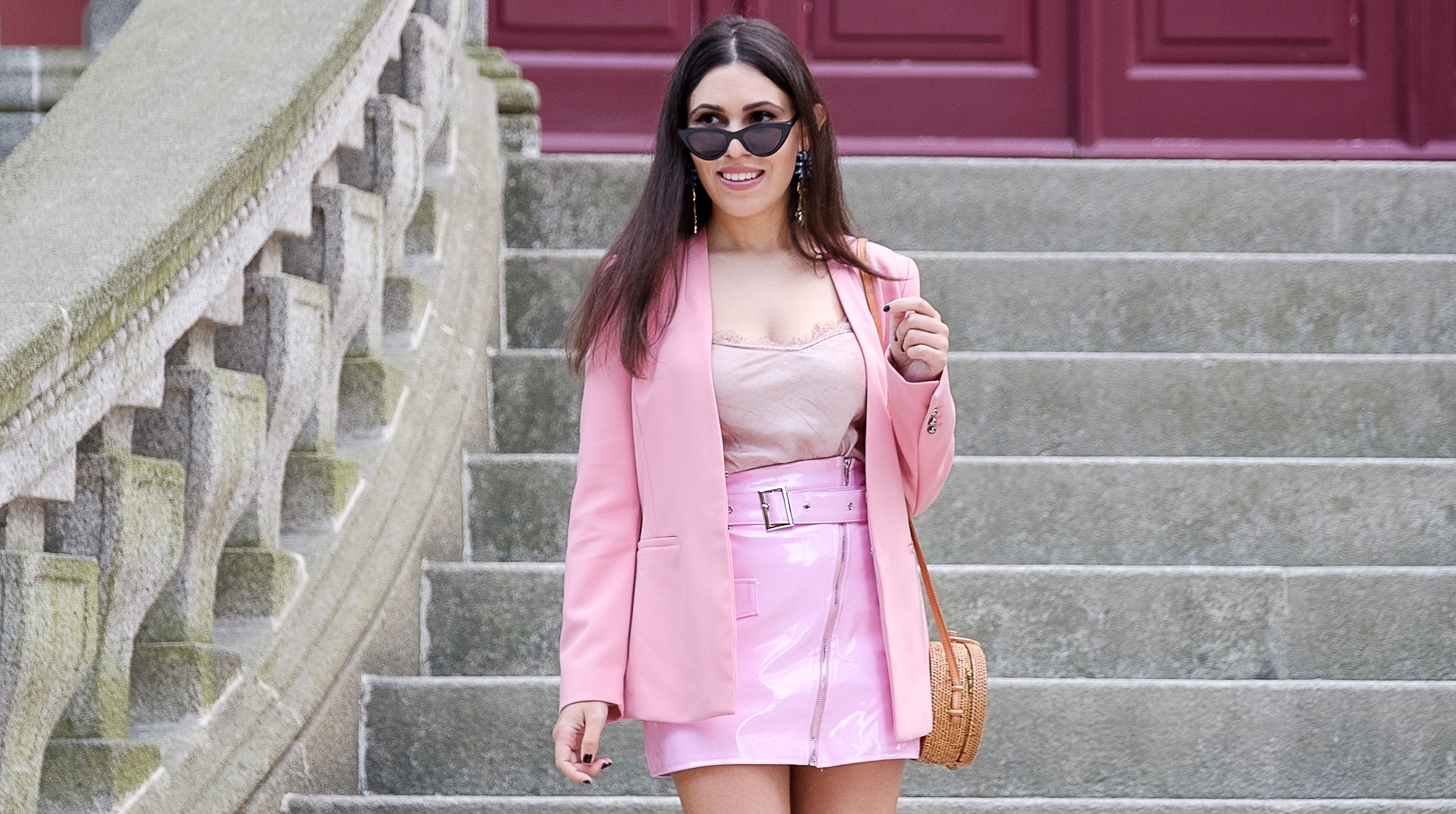Le Fashionaire How to buy clothes with discount at Boohoo vinil belt pink skirt boohoo satin lace pink top pink zara blazer bold hummingbird blue uterque earrings cat eye mango sunglasses 9350F EN
