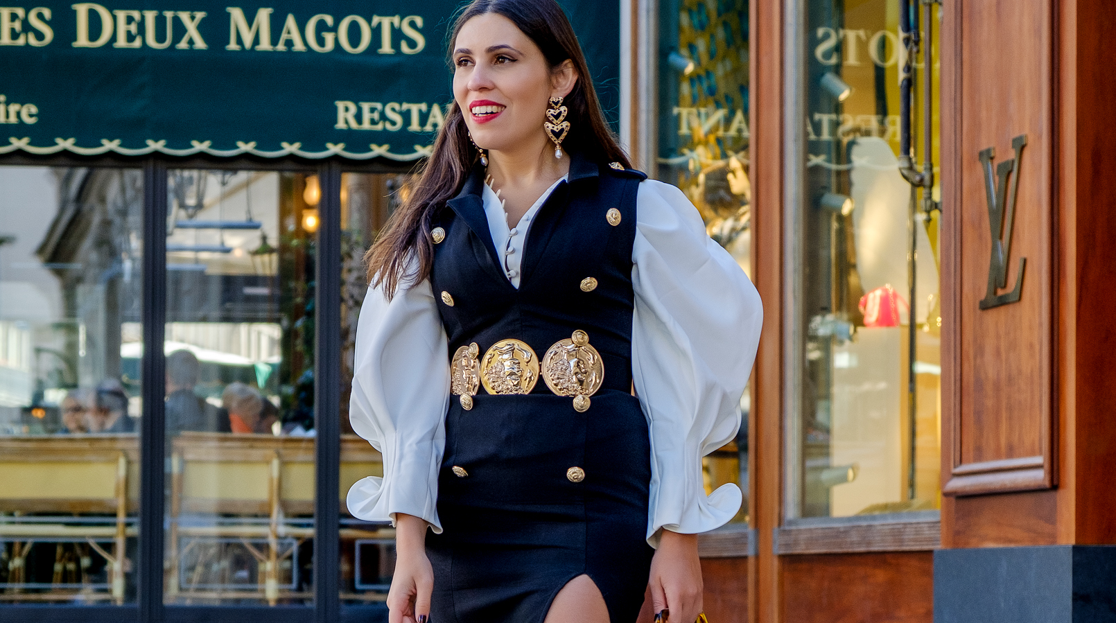 Le Fashionaire PFW Valentin Yudashkin SS19: my look and everything about the show white bold shaken sleeve oh hey girl black dress military golden buttons boohoo bold hearts black earrings zara gold coins bold boohoo belt 9268F EN