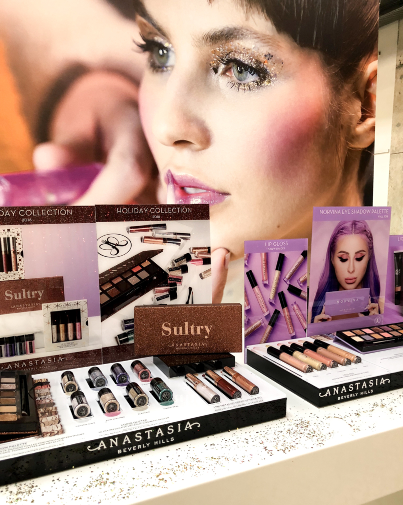 Le Fashionaire 4 Sephora products for Christmas you need to know packs christmas sephora benefit becca news eclectic eyes zoeva sultry anastacia beverly hills becca urban decay cherry 2473 EN 805x1007