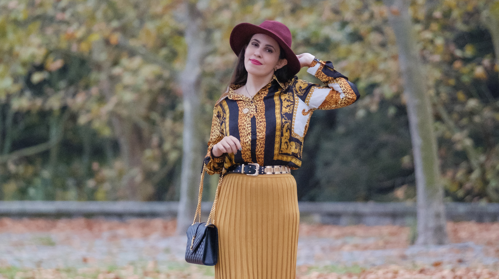 Le Fashionaire Do knit skirts only look good on tall, thin women? printed leopard versace style boohoo shirt white cowboy boots jewel stradivarius burgundy wool stradivarius hat gold metallic black belt zara 1307F EN