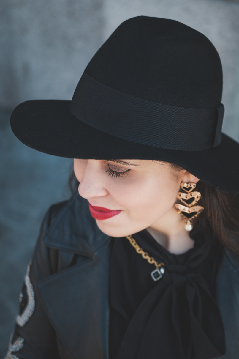 Le Fashionaire L'Interdit: all you need to know about Givenchy's new perfume black neck bow zara silk shirt black hm wool hat black leather embroidered uterque jacket black zara hearts erarrings bold gold black zara necklace 3389 EN 805x1208