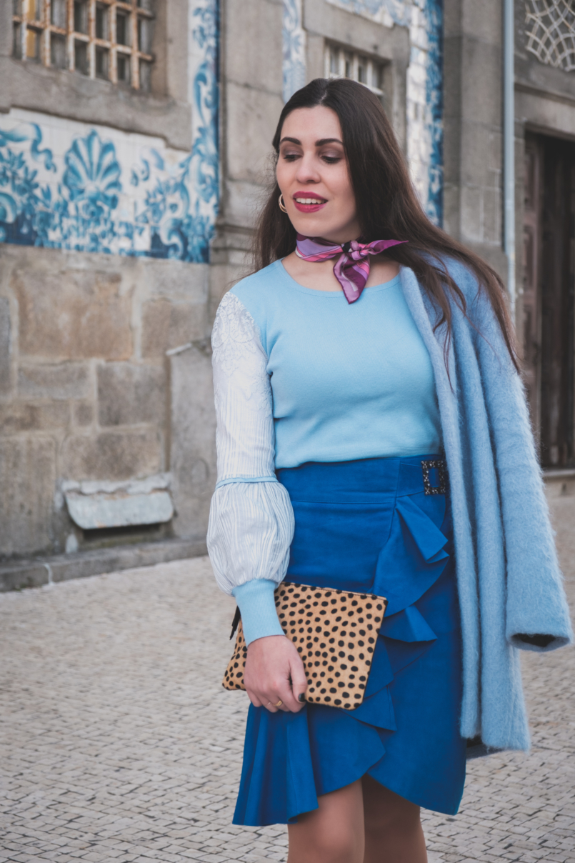 Le Fashionaire Colorful clothes for work: why not? blue majorelle buckle suede uterque skirt pale blue lace sleeves knit emilio pucci pink scarf leopard leather sfera clutch 3707 EN 805x1208