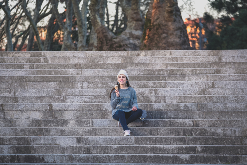 Le Fashionaire Do we have to stop being ourselves for an established beauty? pale blue gold letters je suis une influencer sfera pale pink gold dots vans suede pale blue pink beige pompom womens secret beret 4031 EN 805x537