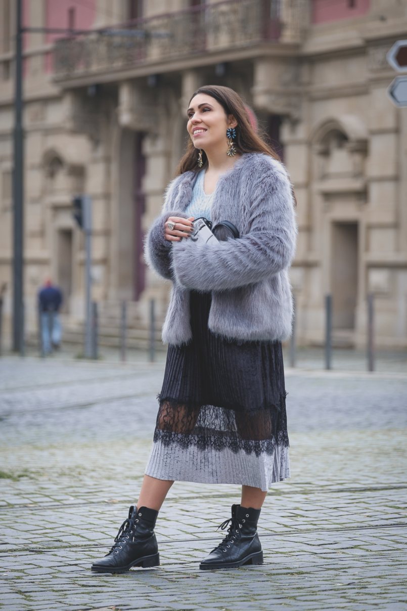 Le Fashionaire Are you ready for the party that is life? velvet black lace midi skirt zara military black massimo dutti leather boots faux fur bershka grey pale blue coat bold colibri uterque earrings 2644 EN 805x1208