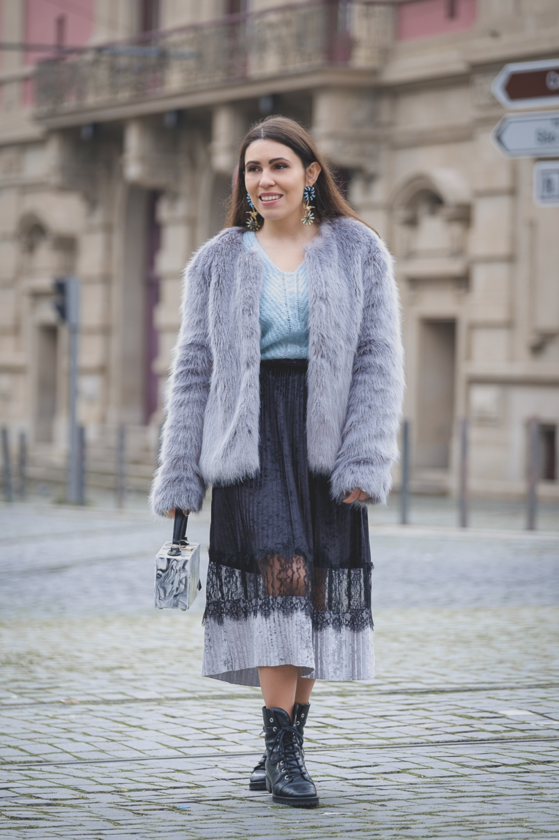 Le Fashionaire Are you ready for the party that is life? velvet black lace midi skirt zara military black massimo dutti leather boots faux fur bershka grey pale blue coat marble uterque box bag 2641 EN 805x1208