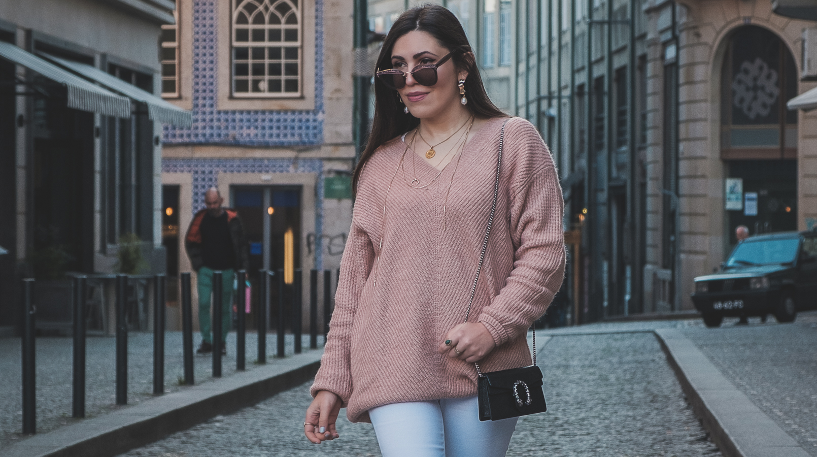 Le Fashionaire Where to buy cozy cheap knitwear white mango jeans cat eye sunglasses pink details miu miu military black massimo dutti leather boots gold mango hoops white pearl 4911F EN