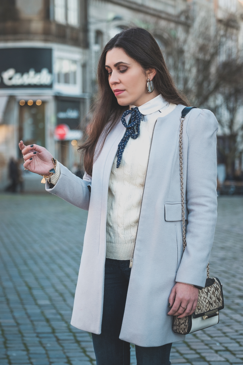 Le Fashionaire Winter sales: what is really worth it wool outwear coat grey pale zara white bow polka dots bershka shirt white cable knit cashmere merino wool ralph lauren Bold hoop grey zara earrings 3927 EN 805x1208