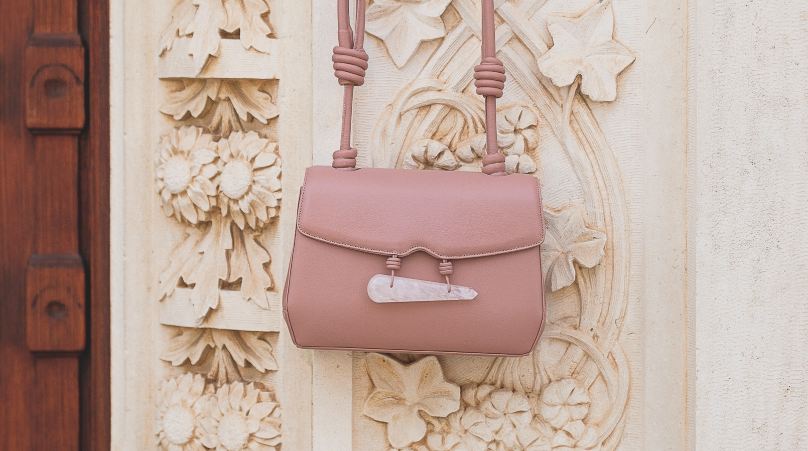 Le Fashionaire Vale a pena comprar uma bolsa da Soleah? mala rosa quartzo pele soleah 6641F PT