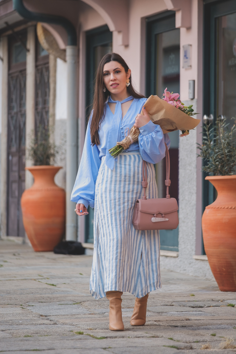 Le Fashionaire Is it worth it being original in a world full of copies? pale blue buttons lorna luxe in the style shirt linen stripes pale blue white mango skirt beiges high zara boots pale pink quartz soleah bag 6495 EN 805x1208