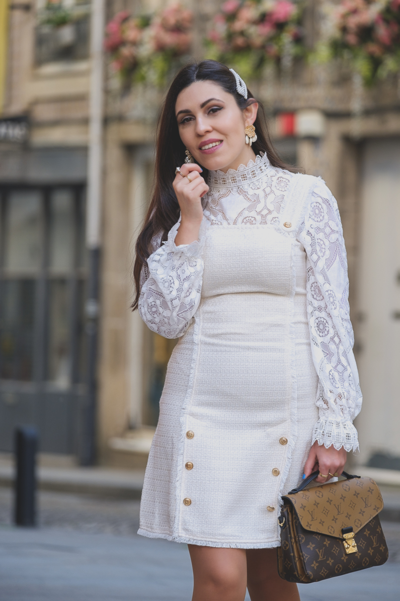 Le Fashionaire The Zara lace top everybody wants this spring white lace zara top louis vuitton pochette metis reverse gold white pearls zara earrings pearls hair pins parfois alice co 6415 EN 805x1208