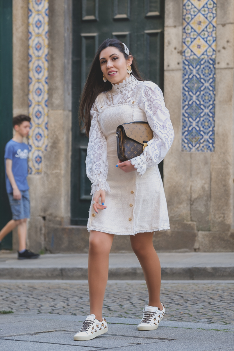 Le Fashionaire The Zara lace top everybody wants this spring white tweed gold buttons shein dress white lace zara top leopard stars leather saint laurent sneakers gold white pearls zara earrings 6434 EN 805x1208