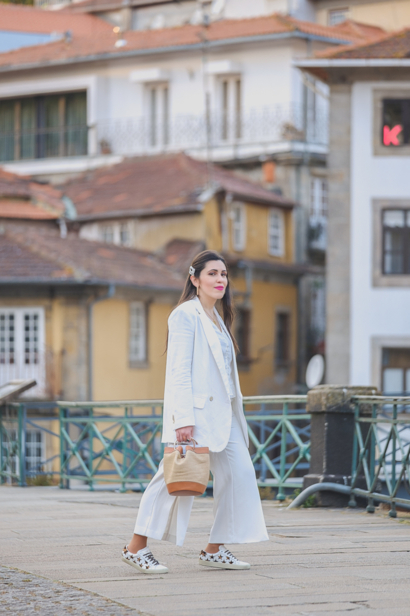 Le Fashionaire How to wear culottes in a chic way white zara culottes pearls hair pins alice co parfois golden parfois hoops earrings 6858 EN 805x1208