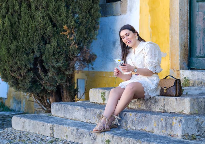 Le Fashionaire As duas peças da nova colecção da Zara a que não resisti camisa bordado ingles zara saia bordado ingles zara sandalias rafia handmade zara brincos brancos dourados perola zara obidos 8183 PT 805x567