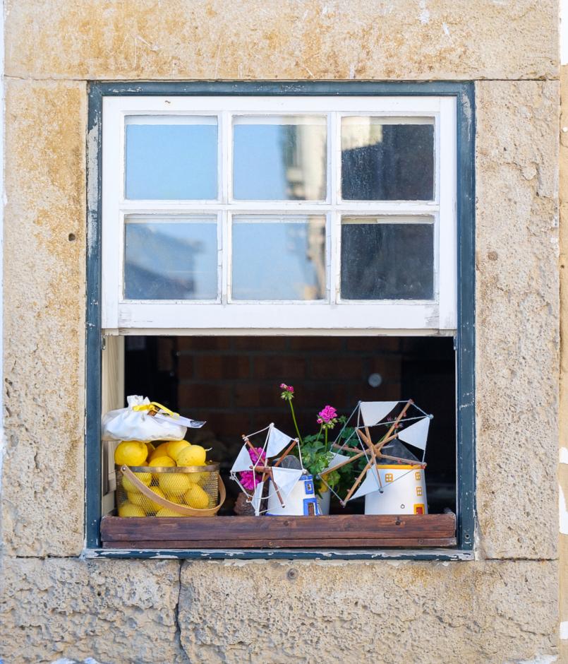 Le Fashionaire As duas peças da nova colecção da Zara a que não resisti moinhos janela azul amarelo obidos 8294 PT 805x940
