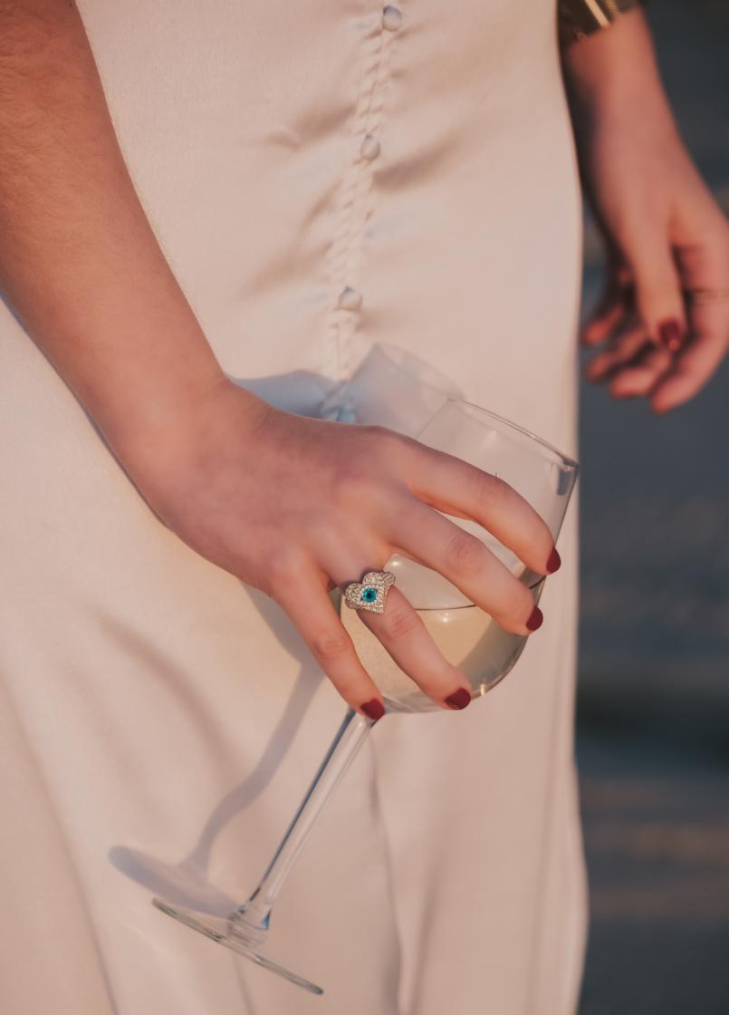 Le Fashionaire Personal: I find peace on solitude satin white lace detail lingerie zara eye heart swarovski ring beach wine glass 8617 EN 805x1120