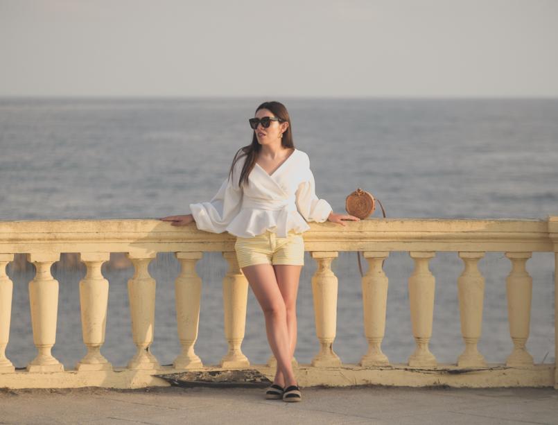 Le Fashionaire A camisa perfeita para usar até ao outono camisa branca shein calcoes amarelos brancos zara oculos sol pretos celine alpercatas pele riscas zara mala redonda rafia 1680 PT 805x613